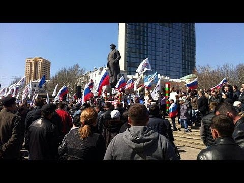 Ukrainian pro-Russian supporters seize government building in Donetsk
