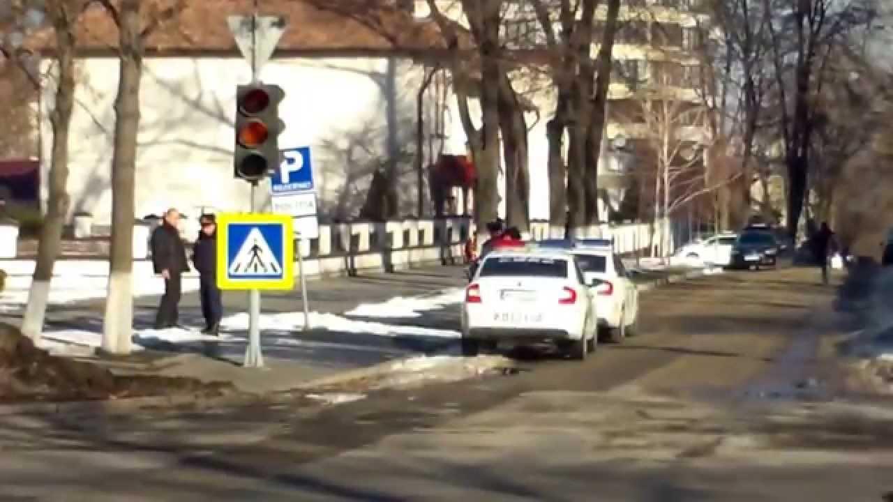 Poliția stă la fundul boierilor, n-are grijă de trafic și lege