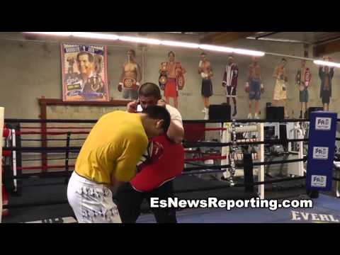 Marcos Maidana vs Josesito Lopez Maidana Working out