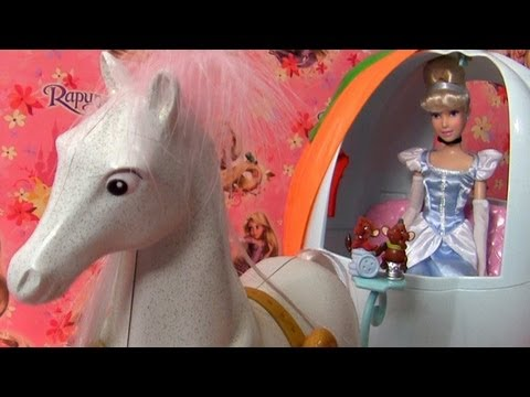 Princess Cinderella Carriage Playset exclusive doll from Disney Store bonecas