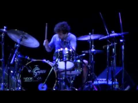 Spinetta.y.las.bandas.eternas.2010.DVD1 FULL CONCIERTO