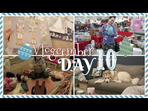 Selling & Donating Clothes + TJMaxx Gifting  🎄 Vlogcember Day 10, 2017