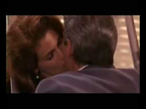 Pretty Woman ~it Must Have Been Love (whith Lyrics) video