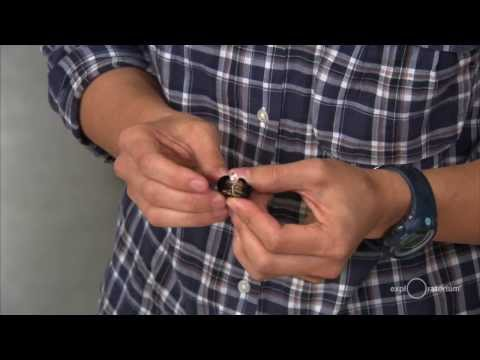 How to Make an LED Flashlight with 5 Pennies