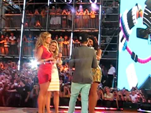 Justin bieber With emily osment and Kristen C @ MMVAS june.20.10