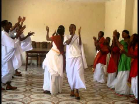 Hido  iyo dhaqan Maqal Radio  Part 2.. Hooyo Somaliyeed oo dhinacyo badan ka waramaysa.