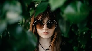 How to Pose Friends Who Aren't Models (Portrait Photography)