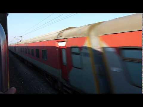 MAS NZM Duronto Express meets NZM Bangalore Rajdhani Express