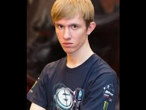 Froggen playing xerath mid