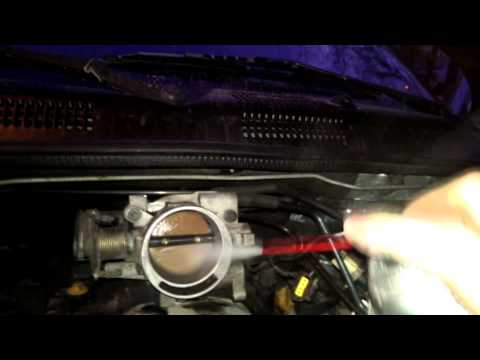 99-04 Jeep Grand Cherokee: how to clean the throttle body and IDLE air control v
