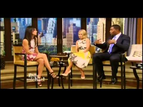 Sandra Bullock - Kelly & Michael (12-27-2013)