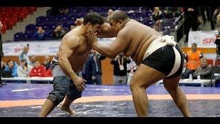 Turkish wrestler beats Sumo Champion (190 kilo)