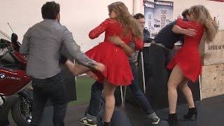 Blonde with heels beats up 4 tough guys