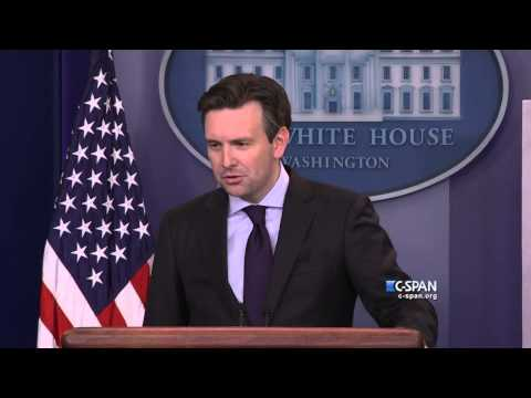 "WH Press Secretary says Trump comment ""disqualifies him from serving as President."" (C-SPAN)"
