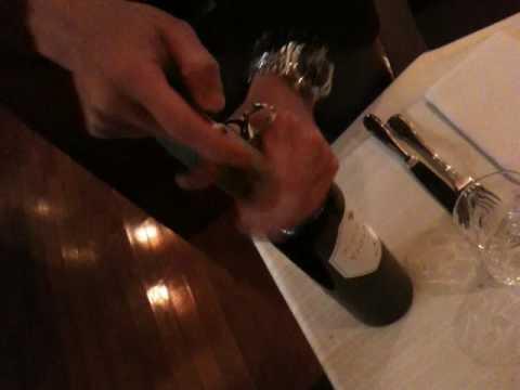 ワインの開け方1。