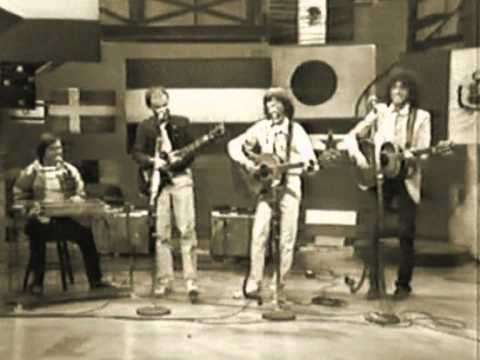 Bojtorján Együttes - Ahol A Lusta Folyó... (David Letterman Show)
