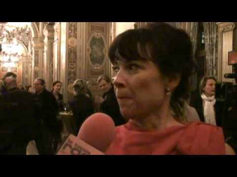 Anne Dorval à la Cérémonie des Prix Lumière à Paris.mp4