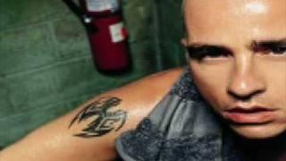 Watch Eros Ramazzotti Recuerdos video