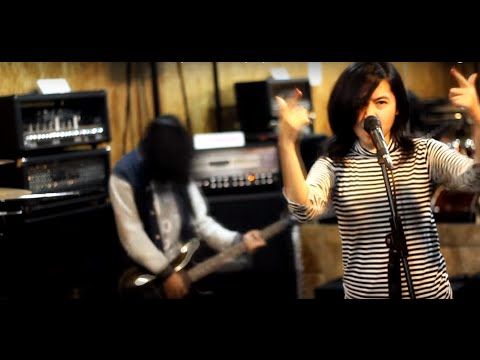 Justin Bieber - Love Yourself - Cover Pop Punk Rock By Jeje GuitarAddict feat. Tika Nistia