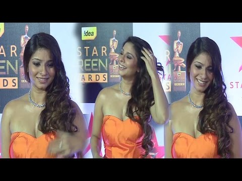 Tanisha mukherjee In Orange Strapless Gown At Star Screen Awards 2016 thumbnail