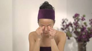 Celebrity facialist Su-Man's two-minute skin rejuvenating self-facial