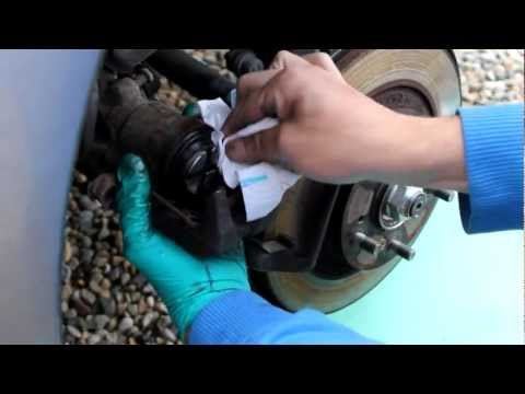 Honda S2000 Rear Brake Pad Change
