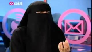منقبة تتحدث عن الجنس و قواعد المص و اللحس Nikab et le sex