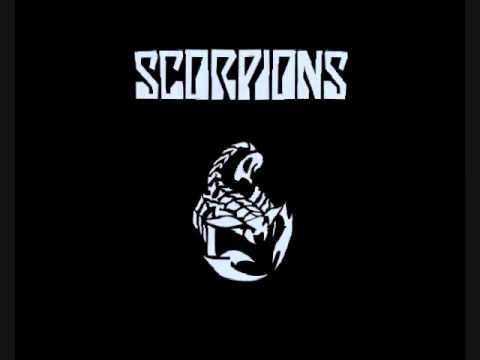 Scorpions - Blackout (lyrics)