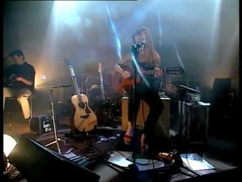 Thumbnail of video Muertos o algo mejor - Christina Rosenvinge y Los Subterraneos (Live)