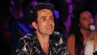 The most emotional audition in X Factor Uk. Simon is silently crying .