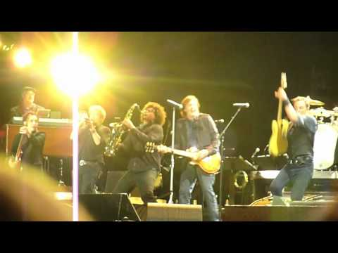Bruce Springsteen&Paul McCartney - I Saw Her Standing There / Twist&Shout - Hard Rock Calling