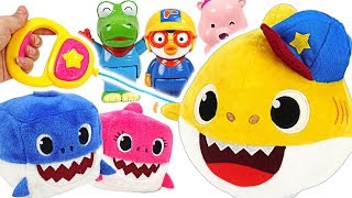 Let's go for a walk with a Baby Shark! Arm Waving Baby Shark and Cube Shark family play #PinkyPopTOY