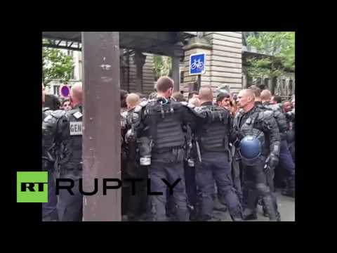 France: Police evict refugees from camp in central Paris