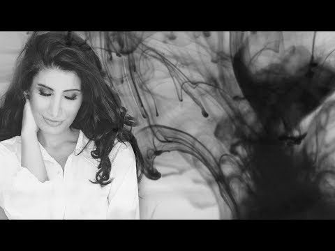 Irem Derici - Neredesin Sen (Lyric Video)