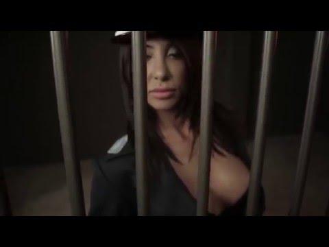 Tus - Μωρό μου σε αφήνω | Tus - Moro mou se afino - Official Video Clip (HD)