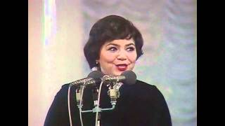 Старый клён Поёт Майя Кристалинская Stary Klion Maya Kristalinskaya Genius Russian Singer