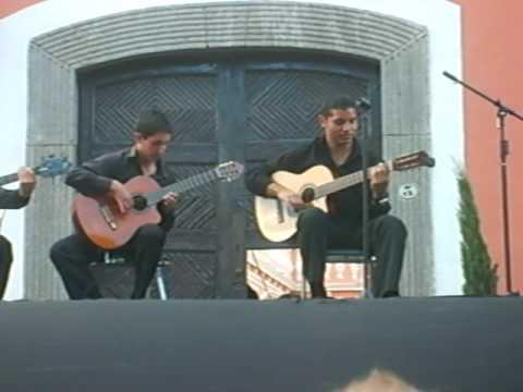 GARSOL, MUNDO DE GUITARRAS, VICTOR HUGO GARCIA SOLER, FERIA HUAMANTLA 2009 ZOCALO