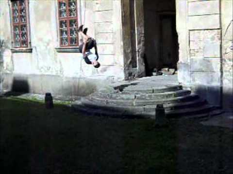 Freerunning and Parkour amateur.