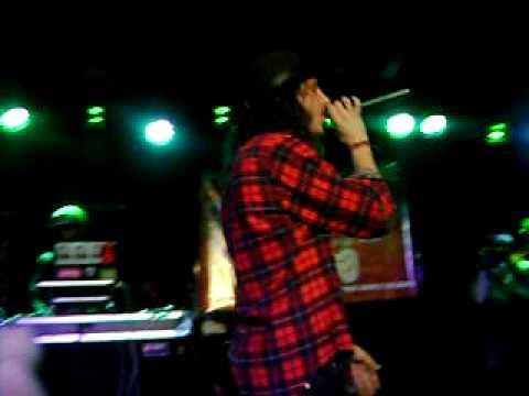 Shwayze & Cisco performing 'Mary Jane'