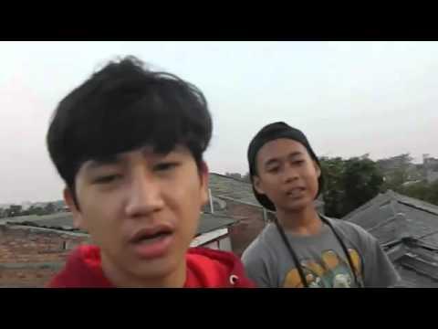 Dhyo Haw   Tetap Tersenyum Kawan Video Cover
