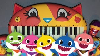BABY SHARK BUT IT'S PLAYED ON A CAT PIANO