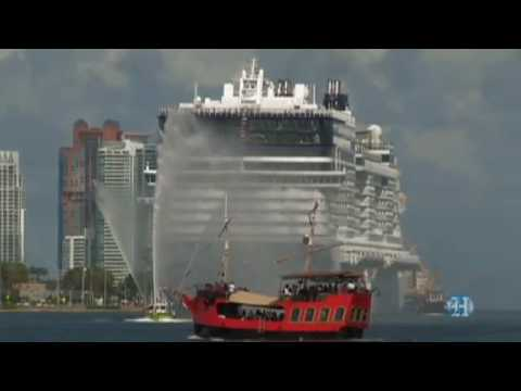 NCL-Epic-Cruise-Ship-Arrives-Port-of-Miami-FL-2010-Video-Clip.flv