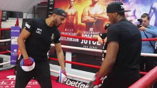 DOWN WITH MVP YEH YOU KNOW ME!! MICHAEL 'VENOM' PAGE OFFICIAL MEDIA WORKOUT : JOYCE v LEWISON