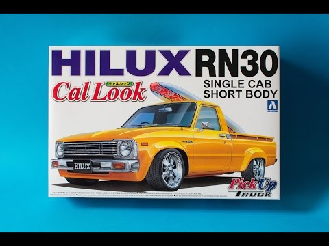 Aoshima 1/24 Toyota Hilux RN30 Cal Look Model Kit Unboxing And Review
