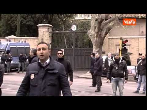 OBAMA A ROMA, RESIDENTI PARIOLI NON VOGLIONO CHIUDERE FINESTRE E DISCUTONO CON POLIZIA