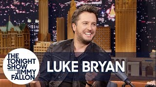 Download Lagu Luke Bryan Reveals What Makes Him Country Gratis STAFABAND