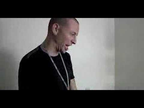 Chester being crazy with singing.. ^_^ Music Videos