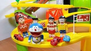 Đồ chơi Doremon - Nobita chơi tàu lượn siêu tốc cùng Xuka