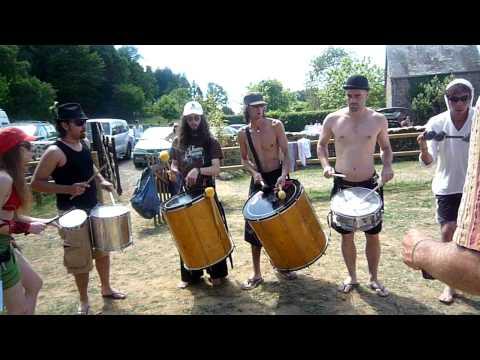 Ens'batucada Funky favela. 2. Samba reggae