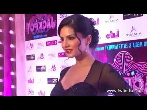 Sunny Leone Very Hot Shower Scene in the Movie Ragini MMS-2